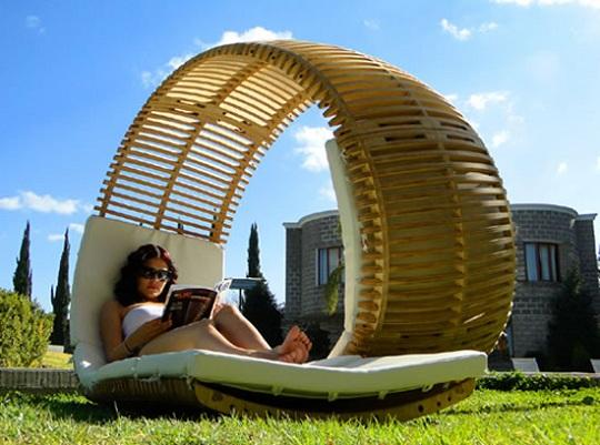 Двухместный лежак от дизайнера Виктора Алемана