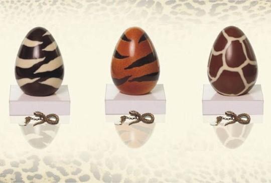 Roberto Cavalli и Swarovski подготовили оригинальные яйца к Пасхе