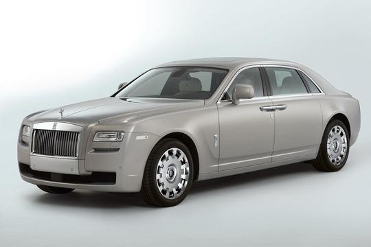 Шанхай удивили удлиненным Rolls-Royce Ghost