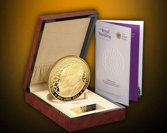 В честь свадьбы принца Уильяма и Кейт Миддлтон выпущена золотая монета весом 1 кг