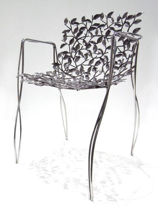 Кованый стул из цветочных лепестков - культурное наследие Индии