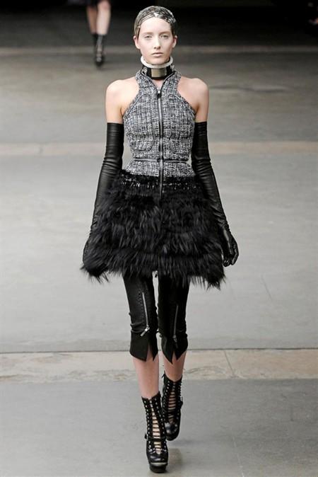 Коллекция Alexander McQueen осень/зима 2011