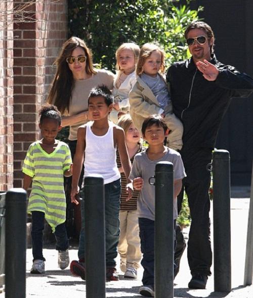 Анджелина Джоли и Бред Питт сбежали от своих детей