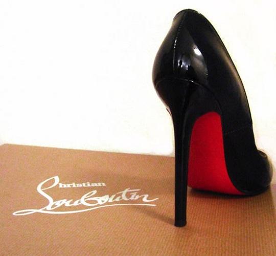 Скандал в мире моды. Christian Louboutin судится с Yves Saint Laurent