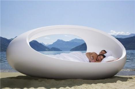 Hi-Tech кровать в форме яйца за €42 000 от Thony Project