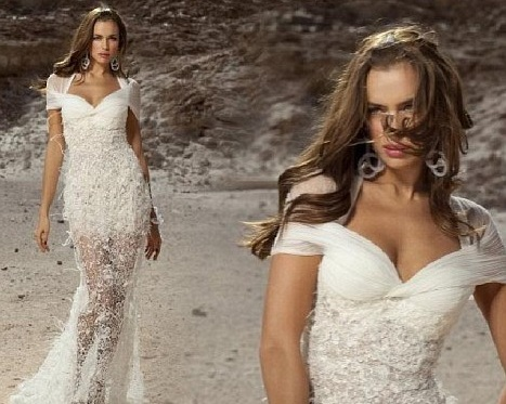 Модель даже предложила Криштиано на выбор несколько вариантов наряда. Все платья из коллекции Dany Mizrachi
