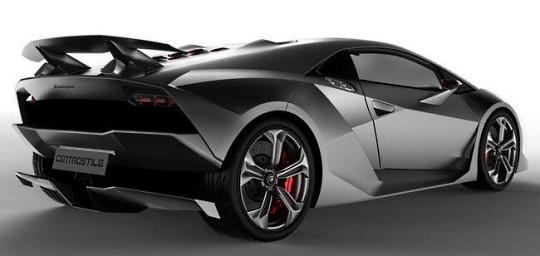 Lamborghini Sesto Elemento разогнался до 2 млн евро