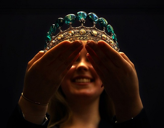Королевская изумрудная диадема продана на Sotheby's