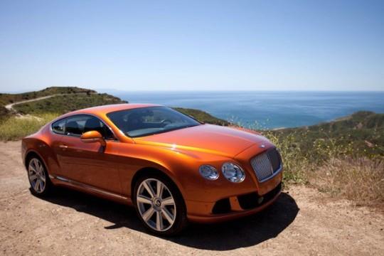 Оранжевый 2012 Bentley Continental GT в Малибу