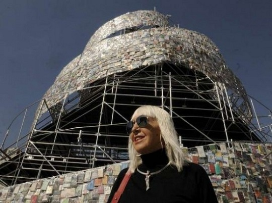 В Буэнос-Айресе выстроена 25-метровая башня из книг
