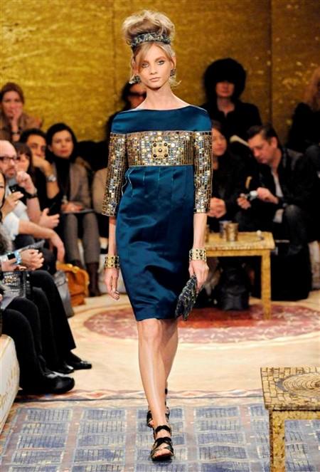Chanel презентовал предосеннюю женскую коллекцию