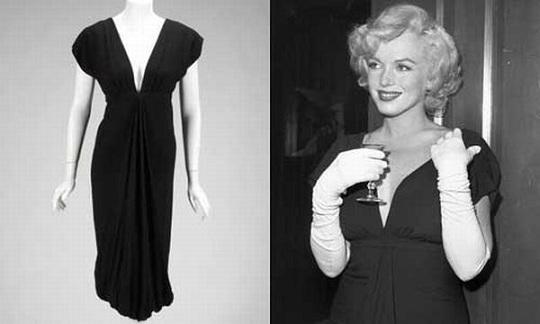 Вечернее платье Мэрилин Монро продано на аукционе Julien's за  8,000