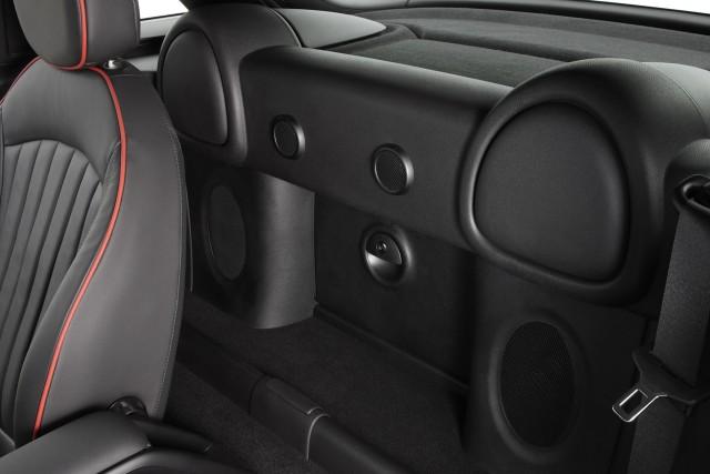 2012 Mini Cooper Coupe официально и сердито