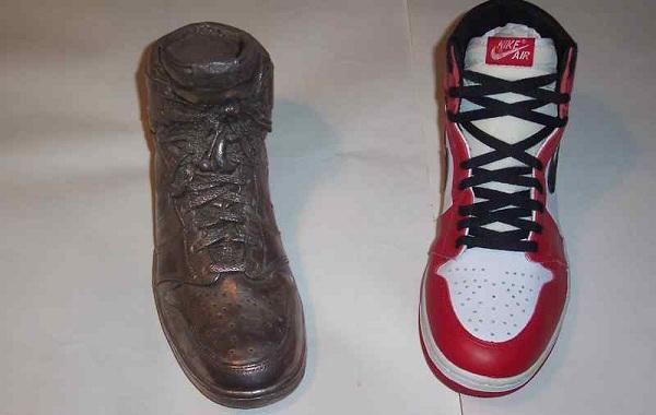 Серебряный кроссовок Майкла Джордана выставят на eBay