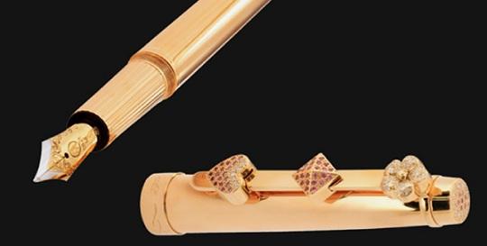 Бриллиантовая ручка от Аниты Тан стоит больше  млн