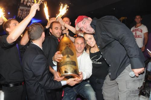 Роскошное шампанское Armand de Brignac продано за $ 190 тысяч