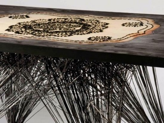 Столик из углеродного волокна от Миши Кан