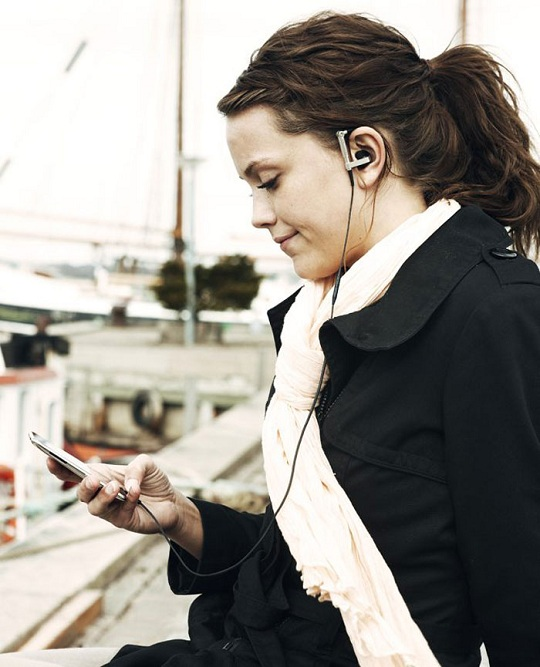 Стереонаушники для iPhone, iPad и iPod от Bang & Olufsen