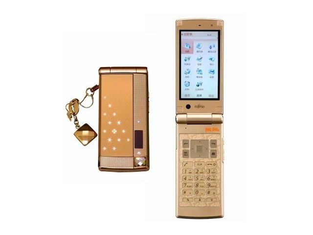 Fujitsu F-022 - гламурный телефон с ароматом роз