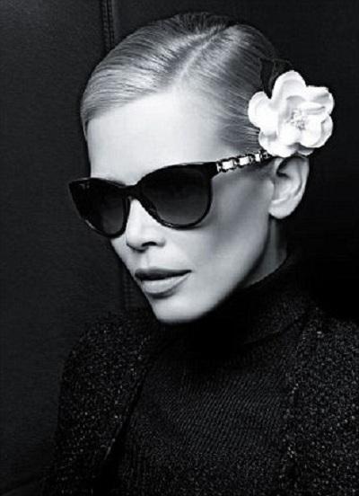 Клаудия Шиффер для рекламной кампании Chanel eyewear