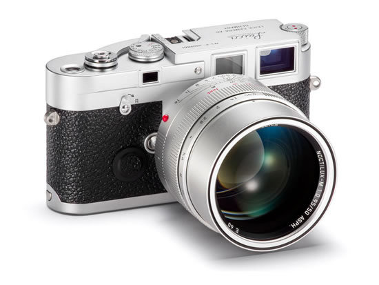 Обновленный дизайн последних фотоаппаратов компании Leica