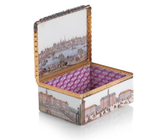 Табакерка 18-го века продана на аукционе Bonhams за  380 000