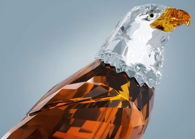 Swarovski представил кристального Белоголового орлана