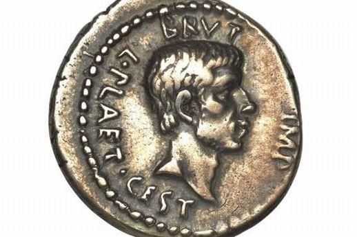 Старинная монета с изображением убийцы Юлия Цезаря уйдет с молотка