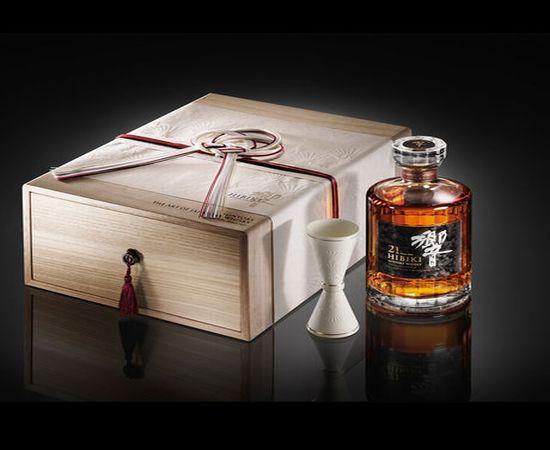 Эксклюзивный виски от Suntory Holdings Limited
