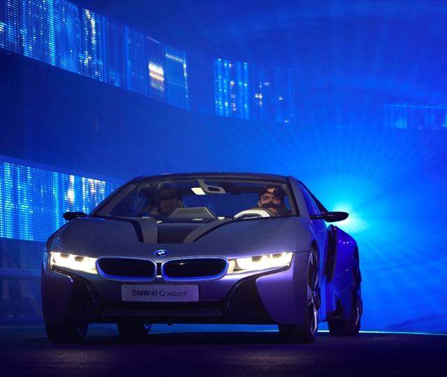 BMW показала инновационные лазерные фары