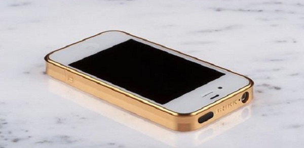 """Brikk презентовала """"бампера"""" на iPhone 5 из титана"""