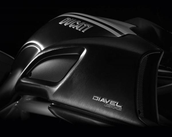 Ducati выпустил для Франкфурта Diavel AMG Special Edition