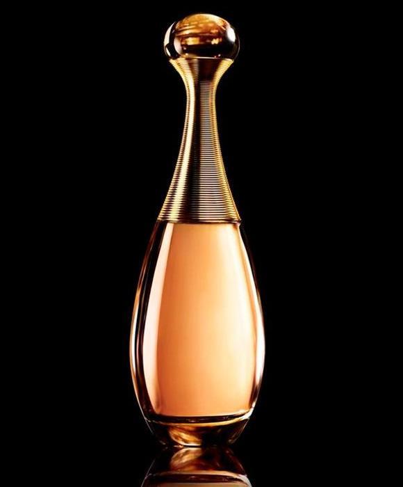 Christian Dior и Шарлиз Терон представили J'adore