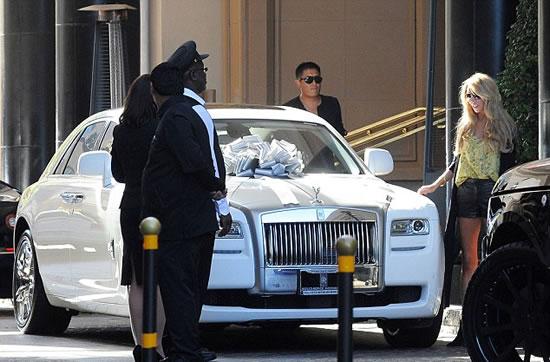 Петре Экклстоун подарили белый Rolls-Royce Ghost за 0 000