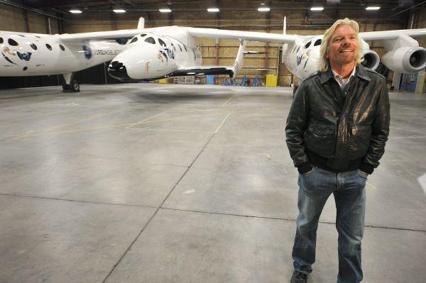 В 2012 году Virgin Galactic отправит в космос первых туристов