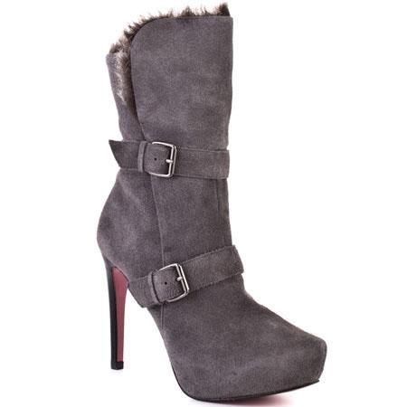 Пэрис Хилтон выпустила коллекцию обуви
