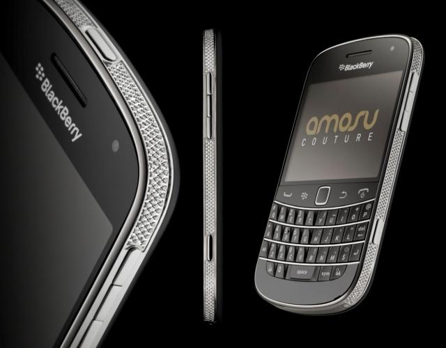 BlackBerry Gold Swarovski Bold 9900 от Amosu Couture