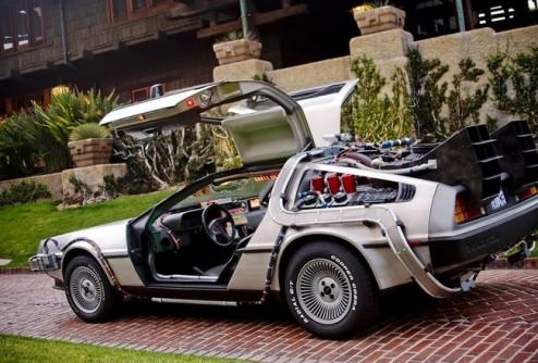 Легендарный DeLorean из «Назад в будущее» продают за $ 600 000
