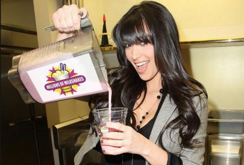 Ким Кардашьян продает самые дорогие молочные коктейли