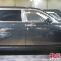 Лимузин Rolls-Royce улыбнулся золотой решеткой