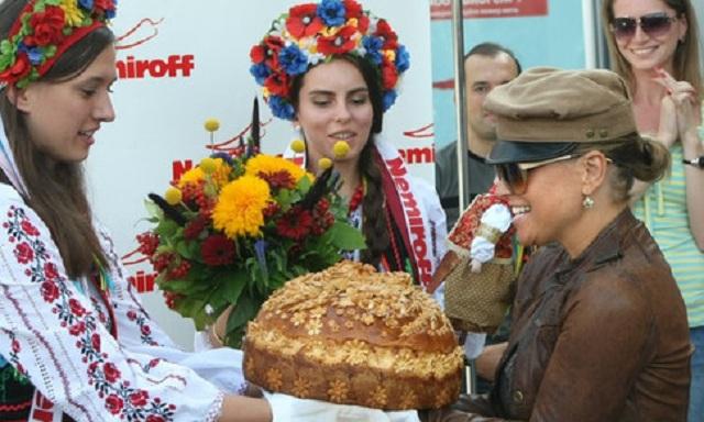Анастейша выступит на открытии стадиона во Львове