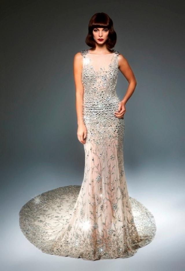 Платье в кристаллах Swarovski за 0 000 выставят в Harrods