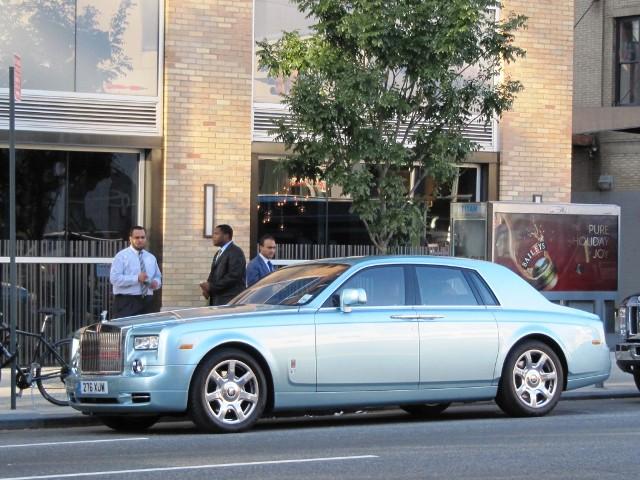 Rolls-Royce Phantom 102EX на пути к совершенству