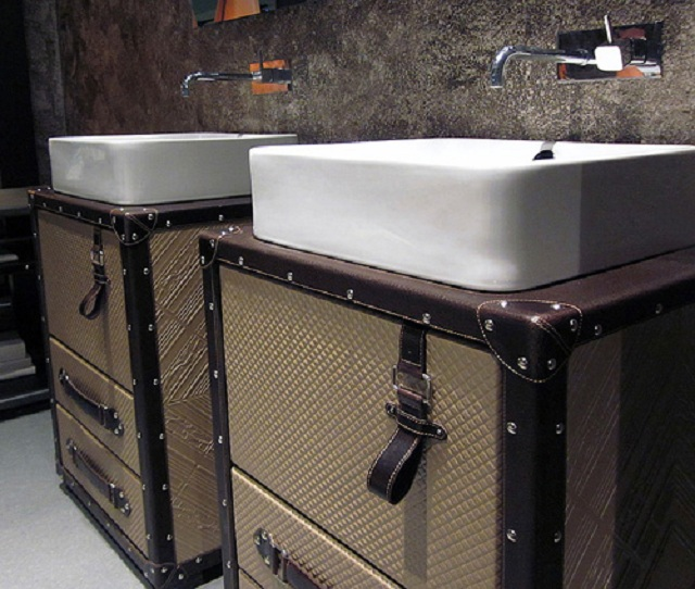 Collection Alexandra представила мебель для ванной в виде чемоданов