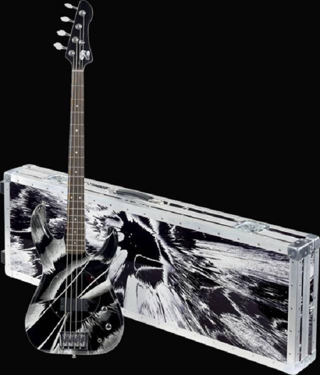 Дэмиан Херст и Фли представили коллекцию гитар «Exquisite Corpse»