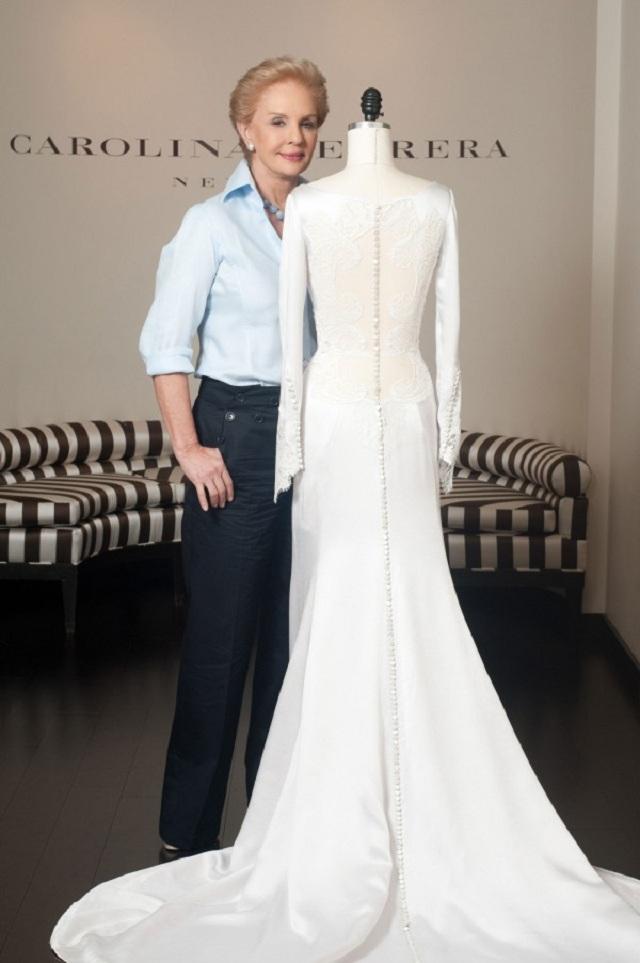 Свадебное платье Бэллы от Carolina Herrera стоит  тыс.