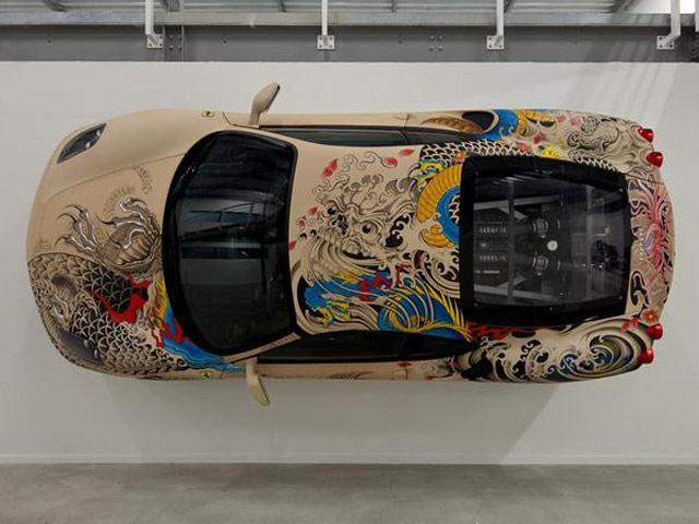 Филипп Паскуа облачил Ferrari F430 в кожаный татуаж