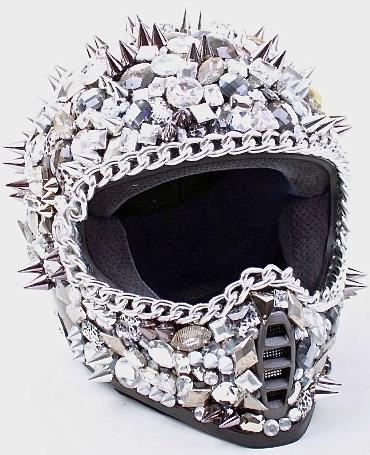 Самый гламурный шлем DOT в Swarovski