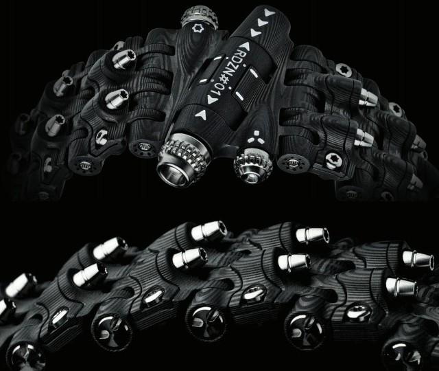 ROGUEDZN представил браслет Armadillo: C6-DARKHORSE