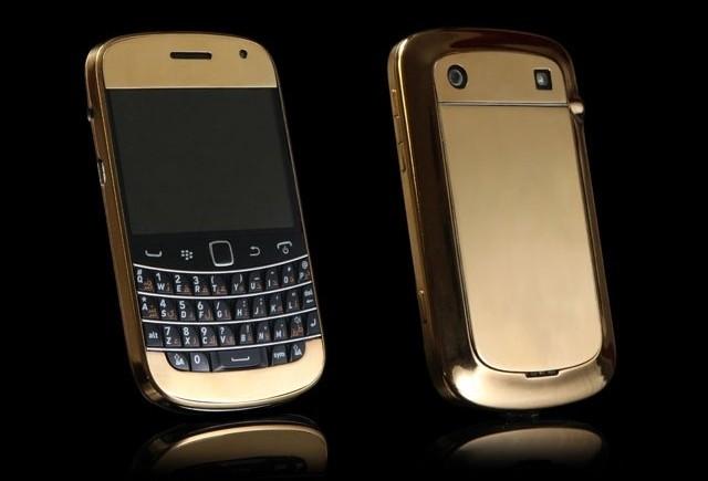 Золотой Blackberry Bold 9900